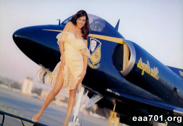 Aircraft images girls
