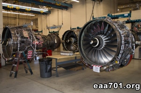 Aircraft mechanic photos