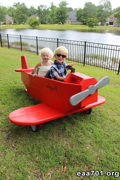 Diy airplane photo prop