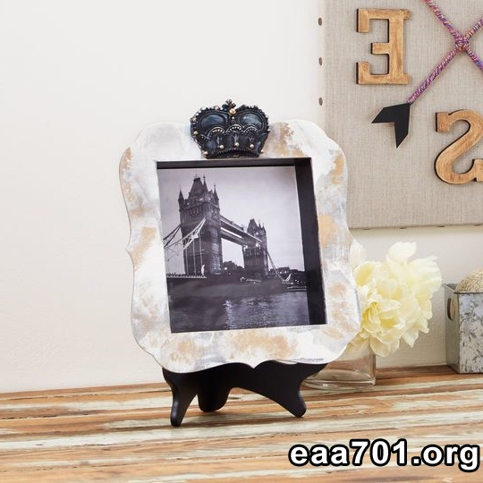 Faux airplane photo frame