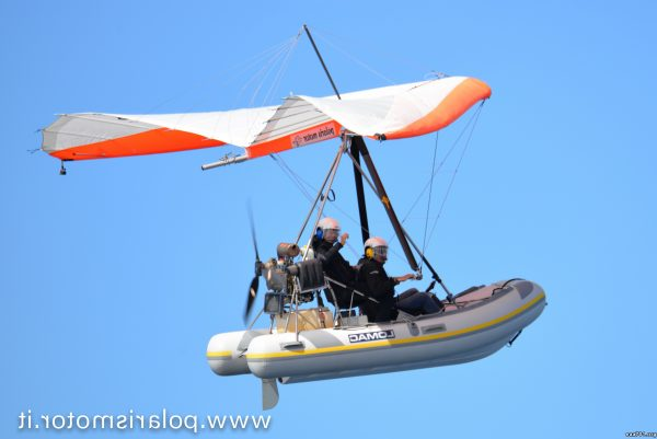 Hang glider photojournalist